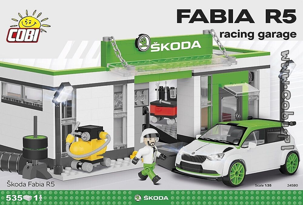 Škoda Fabia R5 racing garage